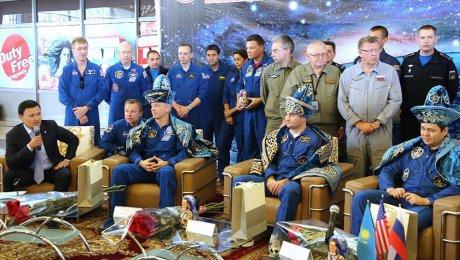 Экипаж 48-й экспедиции наМКС удачно приземлился вКазахстане