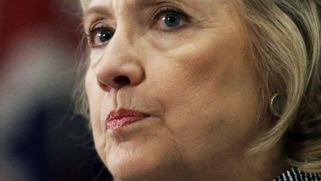Медработники поставили Хиллари Клинтон диагноз. Ей рекомендуют выйти изпредвыборной гонки