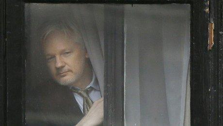 Ассанж готов сдаться властям США взамен насвободу своего информатора Мэннинга