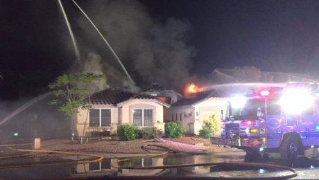 Самолет рухнул на дом вСША
