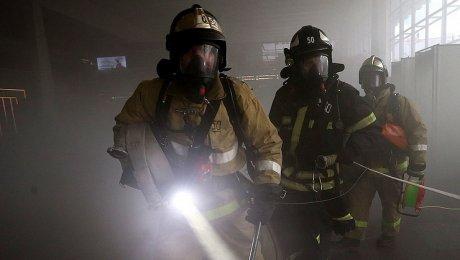 Неменее 170 человек эвакуировали из-за пожара вподвале дома насеверо-западе столицы