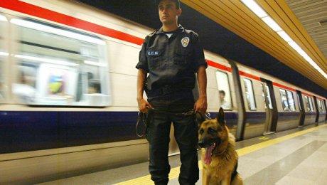 Власти Турции отстранили отработы практически 13 тыс. полицейских