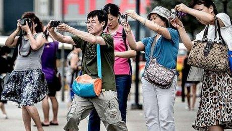 Китайские туристы за 5 выходных дней потратили $60 млрд
