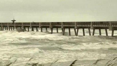 Приближающийся кСША циклон «Метью» усилился до 4-ой категории