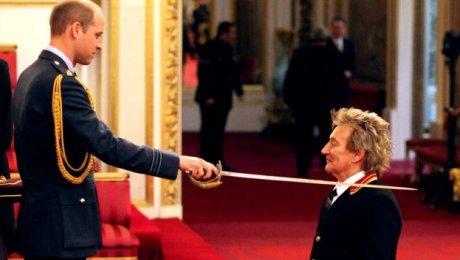 Принц Уильям посвятил врыцари знаменитого британского певца