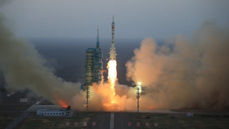 Китайский корабль «Шэньчжоу-11» состыковался сорбитальной лабораторией