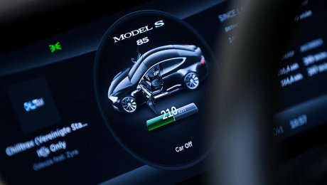 Tesla Model 3 распродали нагод вперёд