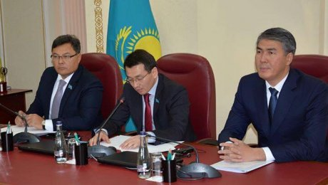 Асет Исекешев сменил всех районных акимов Астаны