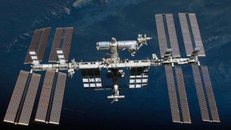 Космос наш: экипаж иркутянина Анатолия Иванишина удачно вернулся наземлю