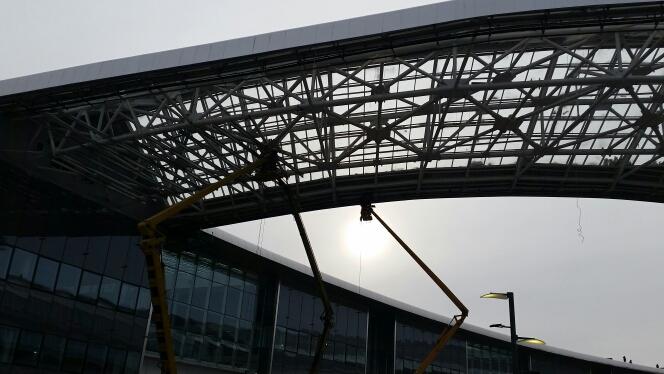 Декоративная конструкция обрушилась натерритории выставки ЭКСПО