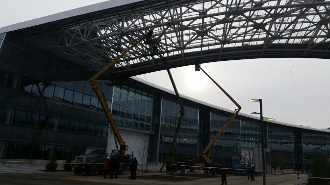 ВАстане наглазах устроителей обрушилось строение EXPO