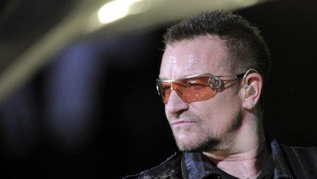 Вокалиста рок-группы U2 признали «Женщиной года»