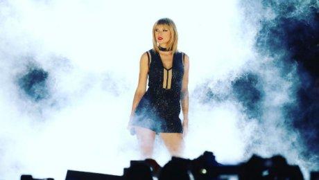 Эстрадная певица Тейлор Свифт обогнала Адель иМадонну позаработкам в2015-м году