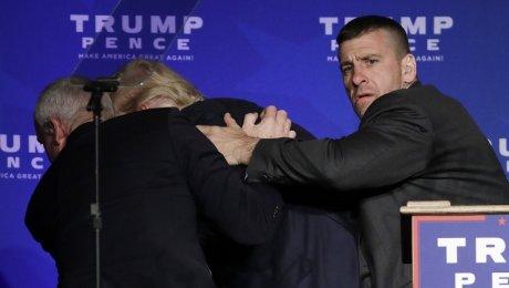 Трампу довелось прервать свое выступление вНеваде