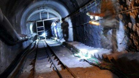 В итоге взрывов нашахтах в«Поднебесной» погибли поменьшей мере 38 человек