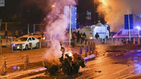 Сильный взрыв вцентре Стамбула попал навидео