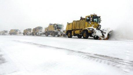 ВЧикаго отменили практически тысячу рейсов из-за снежной бури