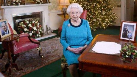 Впервый раз за30 лет ЕлизаветаII непришла нарождественскую мессу