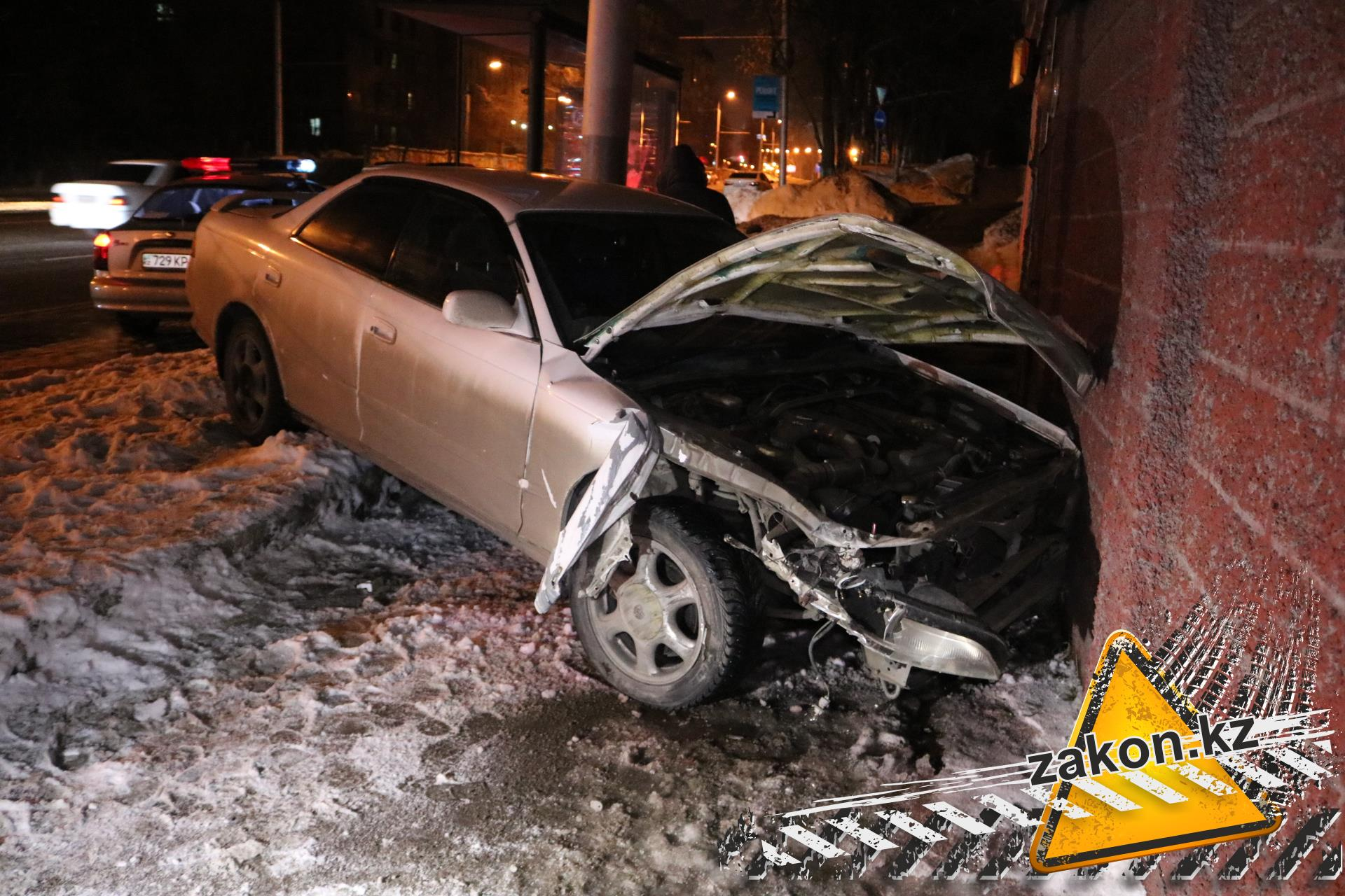 ВКазани шофёр дорогого джипа Тойота Prado скончался зарулем