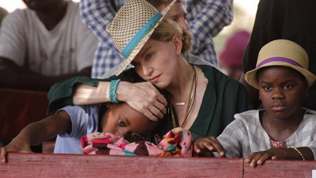 Мадонна несобирается усыновлять детей изМалави