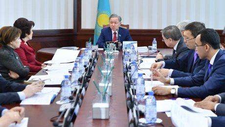 Граждане Казахстана смогут предложить изменения вКонституцию через интернет