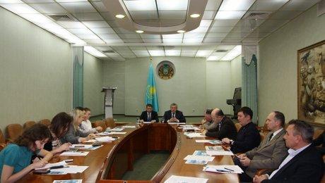 Никого небойся— Назарбаев Акишеву