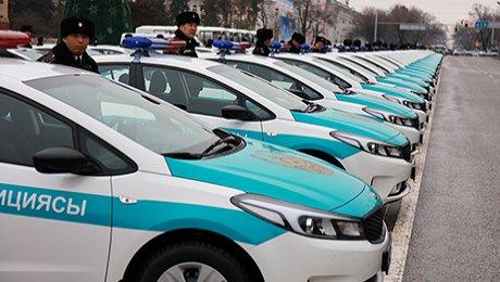 В Казахстане полицейских снабдят новыми автомобилями и экипировкой