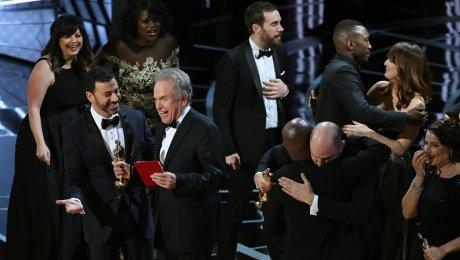 Конфуз на«Оскаре»: лучший фильм поошибке назвали «ЛаЛаЛенд»