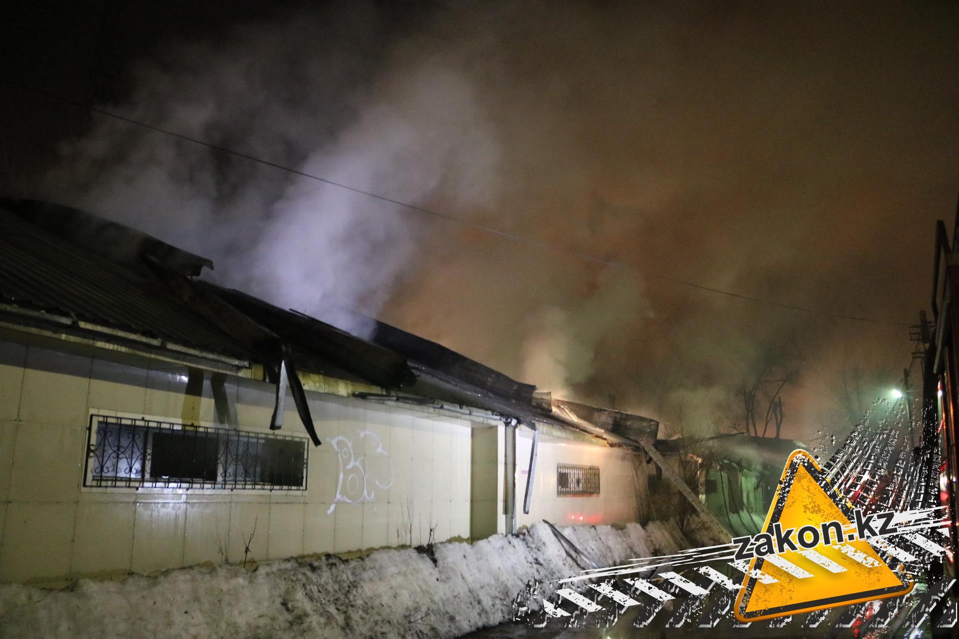 ВАлматы произошел сильный пожар сауны; жертв ипострадавших нет