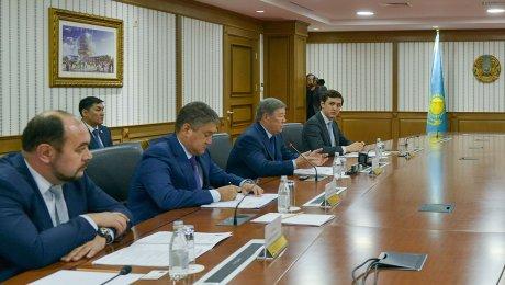 Министр обороны Казахстана и генеральный секретарь ШОС обсудили вопросы безопасности напространстве организации
