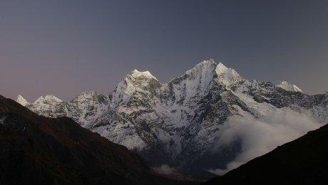 Погибших наЭвересте накроют саваном русские альпинисты