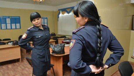 В Актобе известную женщину-полицейского судят за превышение полномочий