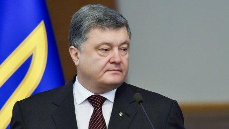 Санкции противРФ нужно продлить нагод— Порошенко