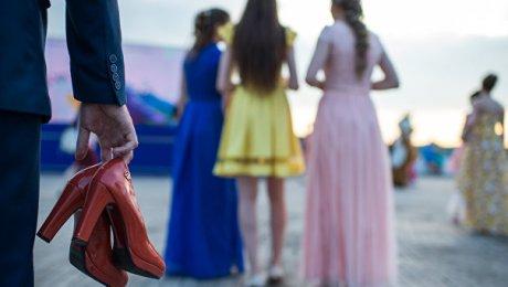 В США беременной девушке запретили приходить на выпускной