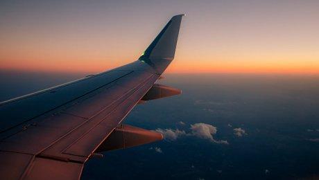 Пассажиры самолета Стамбул— Тбилиси поведали обударе молнии