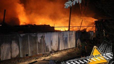Сверепый пожар вАлматинской области локализован