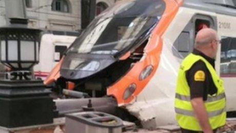 Белорусов нет среди пострадавших при трагедии поезда вБарселоне— МИД