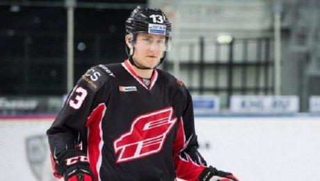 Хоккеисту «Авангарда» удалили селезенку после игрового столкновения
