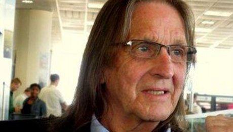 Ввозрасте 70 лет скончался продюсер имузыкант рок-группы AC/DC Джордж Янг