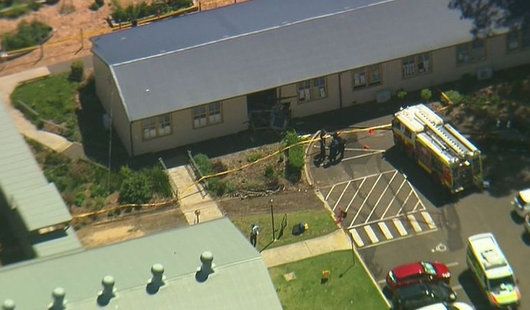 Впригороде Сиднея автомобиль въехал в строение начальной школы