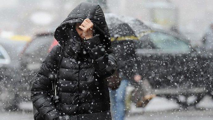 Гололед иветер: штормовое предупреждение объявили в областях Казахстана