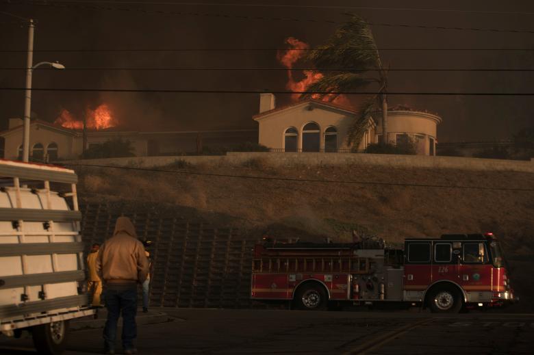 212 тыс. человек эвакуировано вКалифорнии из-за пожаров