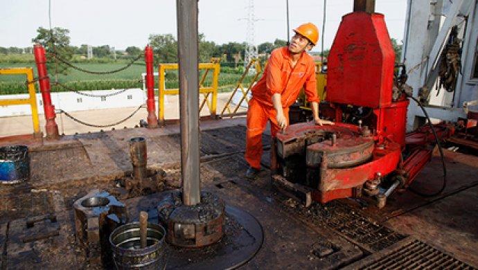 PetroChina нашла месторождение вСиньцзяне сзапасами неменее 1 млрд тнефти