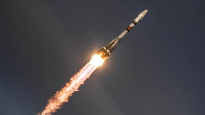 Скосмодрома Плесецк стартовала ракета-носитель «Союз-2.1б» своенным спутником
