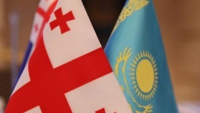 Назарбаев объявил, что невидит альтернативы Путину