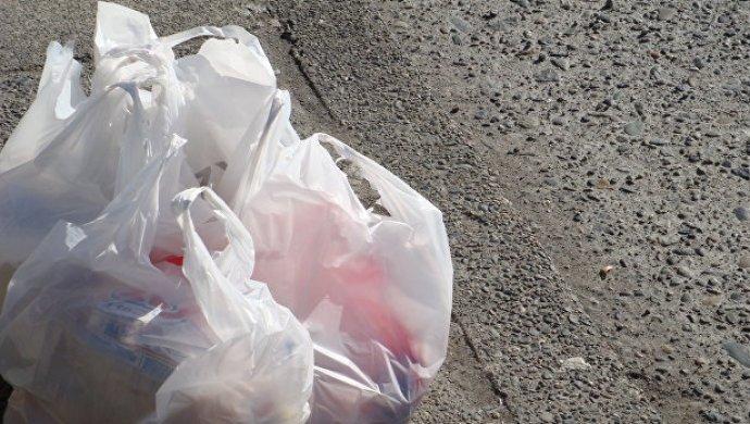 Греки начнут платить запластиковые пакеты