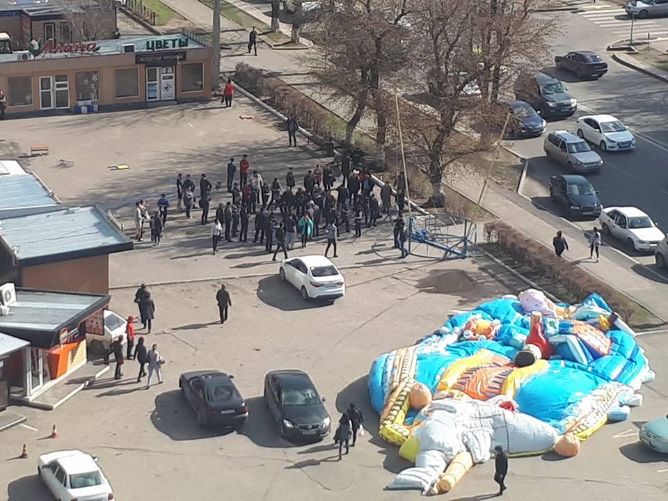 Асет Исекешев пообещал наказать виновных вЧП сдетским батутом