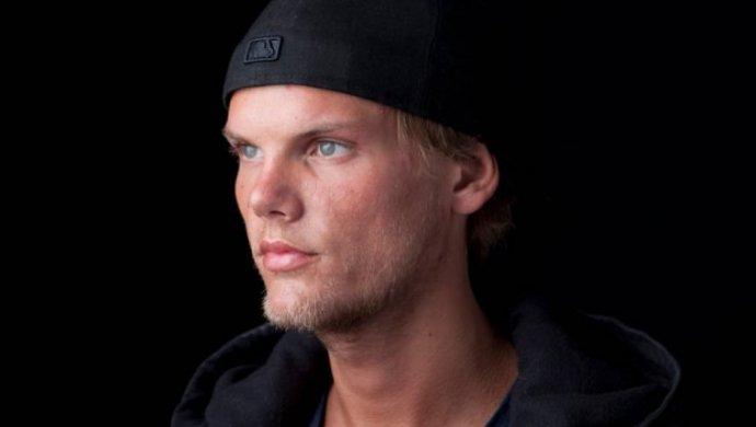 Названа причина смерти шведского музыканта Aвичи