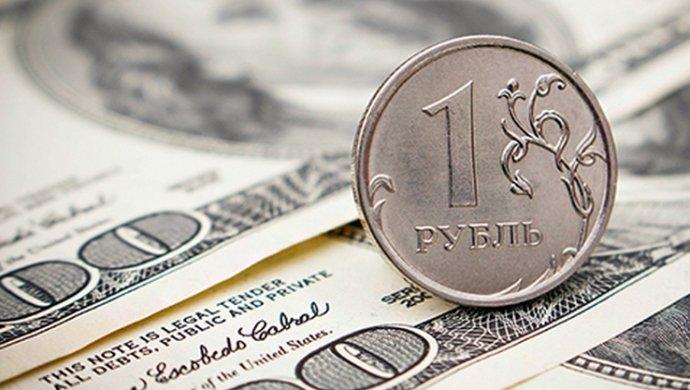 Кроме того на курсе рубля сказываются и санкции