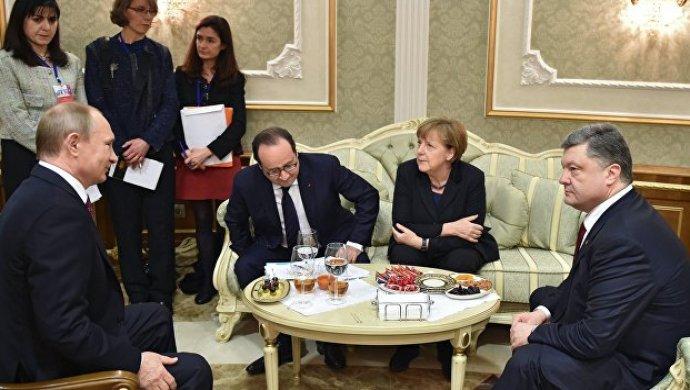 Песков назвал неправильным рассказ оПутине иПорошенко вмемуарах Олланда